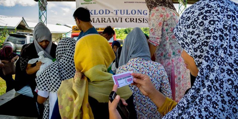 VSO volunteers supporting people of Marawi