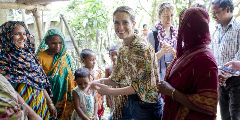 Liz Hunt volunteer in Bangladesh with farmers