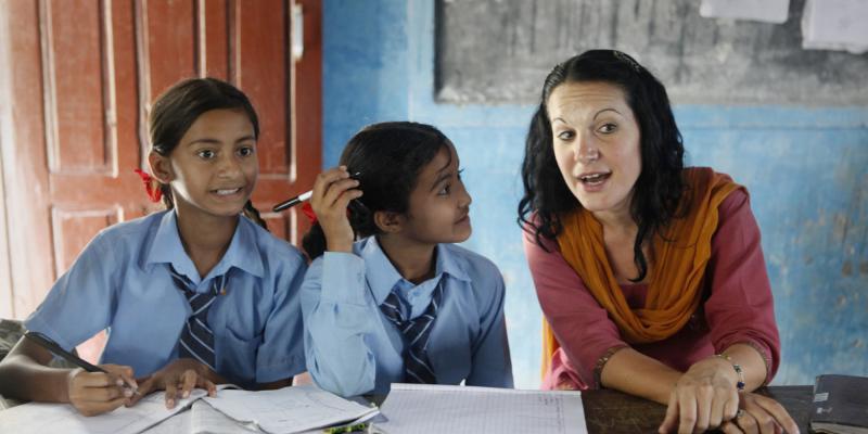 VSO volunteer Beth Stillings Cohen at work in a Nepali school