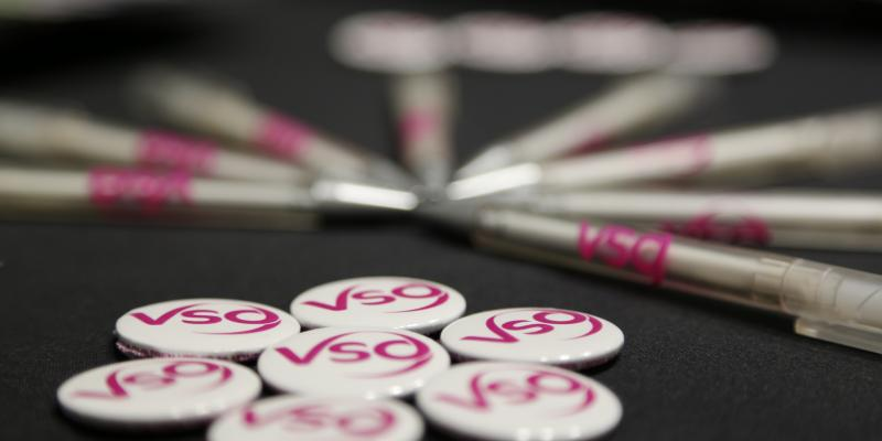 Pens and badges for VSO
