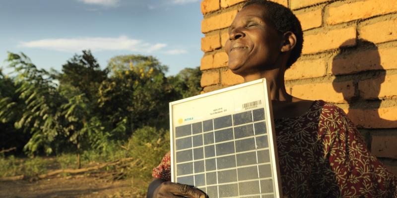 Dines Msampha, solar mama
