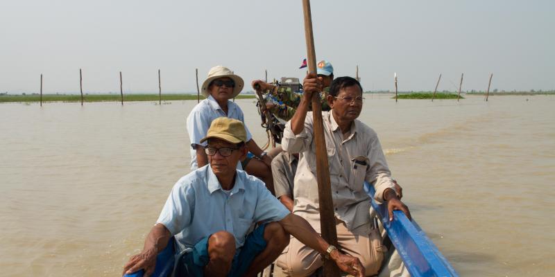 Villagers patrol Tonle Sap to combat illegal fishing