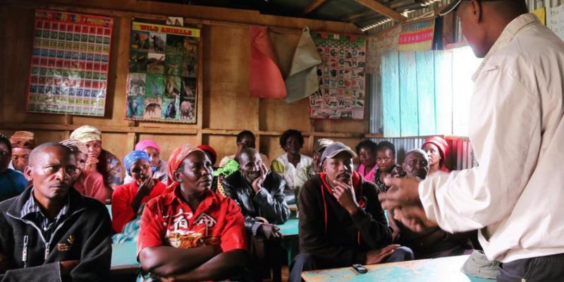 Kenyan entrepreneur Apollo pitches to farmers | VSO