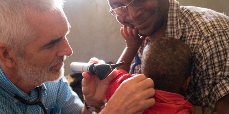 VSO doctor Chris Jary, Uganda