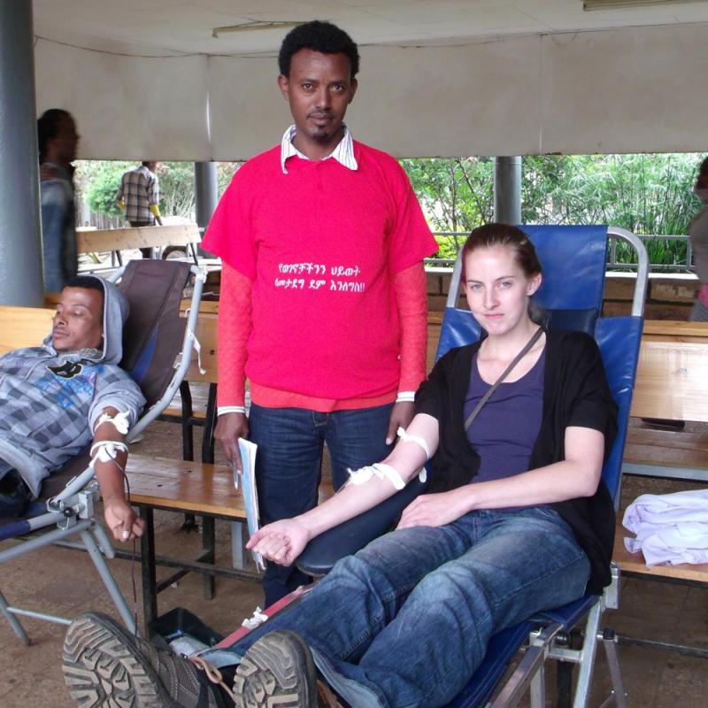 Dr Nanda, a VSO volunteer in Ethiopia, donates blood in the hospital where she works.
