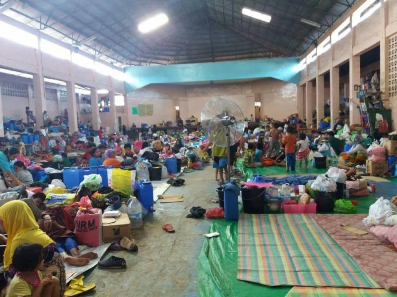 Evacuation centre for internally displaced families from Marawi, where VSO returned volunteers delivered relief goods