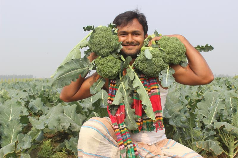 Farmer supported to diversify crop on VSO Bangladesh Syngenta Growing Together project
