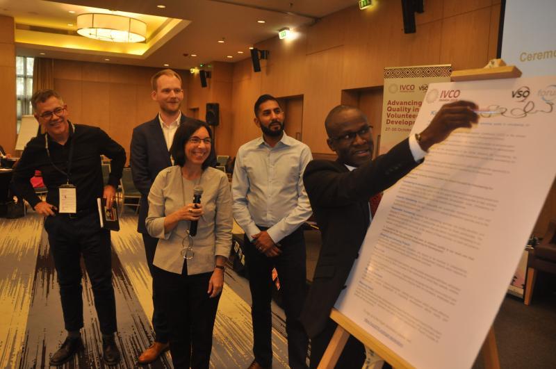 Fred Sadia signing the Kigali Declaration