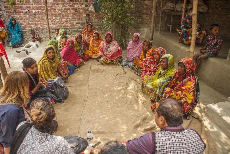 Group of women on the Growing Together project in Bangladesh