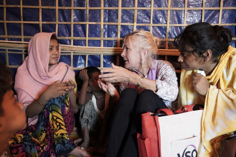 VSO education volunteer Fiona Kirby With Rohingya refugees