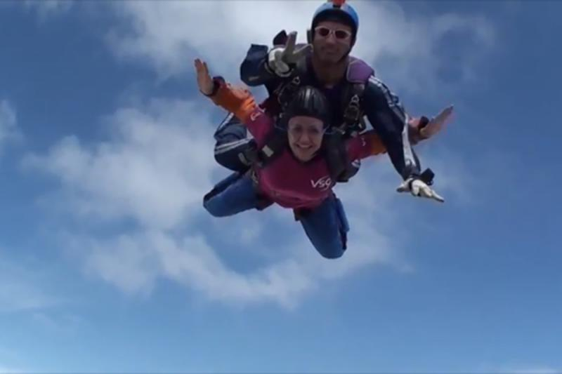 Fundraiser Jo skydives for VSO