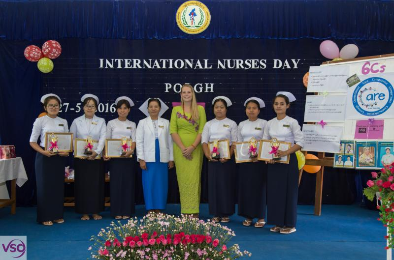 Volunteer nurse Jennnifer Sims with students in Myanmar